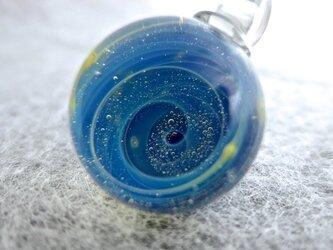 ギャラクシー☆.:*・ミニマーブルのガラスペンダントトップの画像