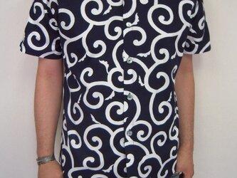 唐草模様半袖シャツ(濃紺)の画像