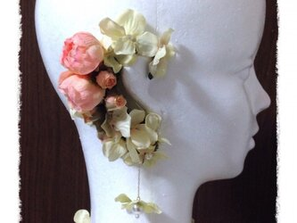紫陽花とラナンキュラスのイヤーフックE (ピンク)右耳用の画像