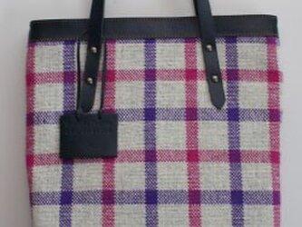 手織りWOOLのチェックバッグの画像