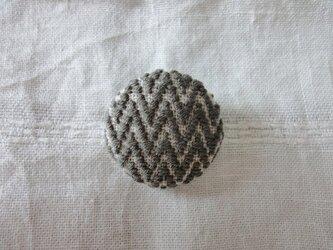 [ 受注製作 ] こぎん刺しブローチ < 杉綾の応用・樺茶 >の画像