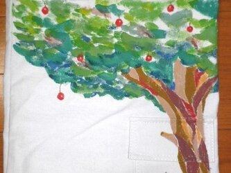キャンバストート りんごの木の画像