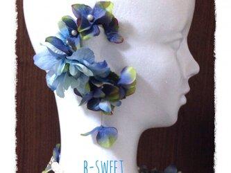 紫陽花とお花のイヤーフックE(ブルー)右耳用の画像