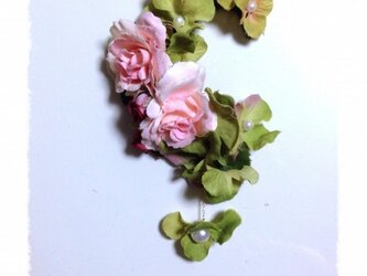 紫陽花とローズのイヤーフックE (ピンク)右耳用の画像
