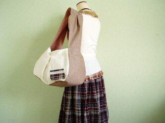 大きめマチのぷっくりたっぷりバッグ綿レースピンクの画像
