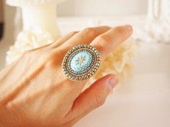 スターモチーフガラスのリングの画像