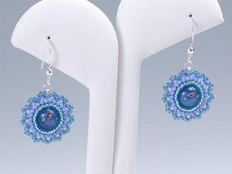 花形のピアス・ブルーの画像