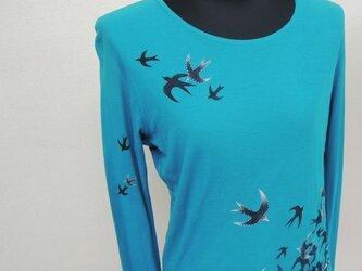 西陣手描き長袖Tシャツ◇ターコイズブルー◇ツバメの画像