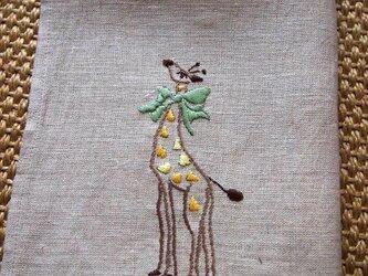 キリンの刺繍のリネン・クロスの画像