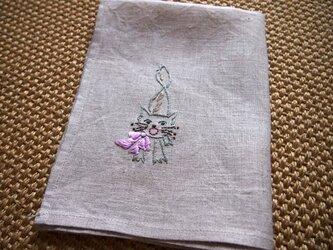 おこりん坊ネコの刺繍デザイン リネンのクロスの画像