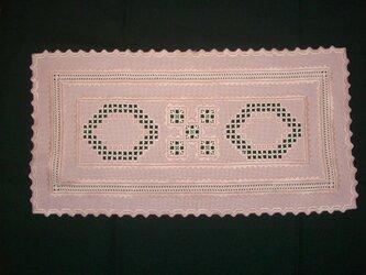 ピンクのテーブルセンターの画像