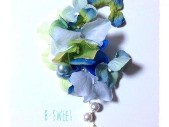 紫陽花のイヤーフック (ブルー系)右耳用の画像