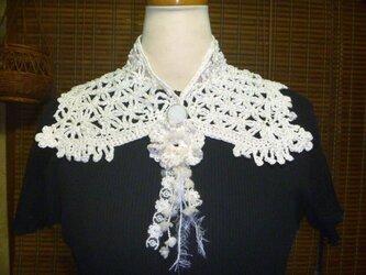 ヴィクトリアンな手編み襟(替え襟)とコサージュの2点セットの画像