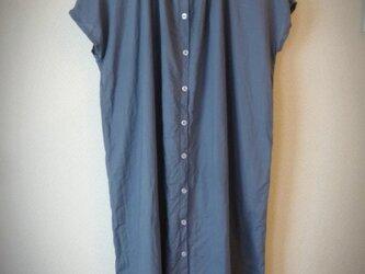 コットンリネン フレンチギャザーシャツワンピース の画像