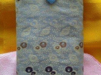 帯地で作った小物袋(小花 水色)の画像