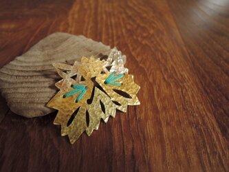 猫の刺繍のブローチ(青緑)の画像