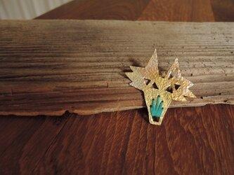オオカミの刺繍のブローチ(青緑)の画像