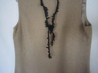 もみの木のかぎ針編みネックレス(チャコールグレー)の画像