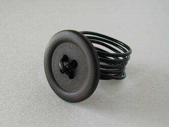 ボタンリング ブラックの画像
