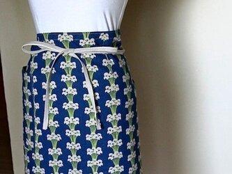 エプロンC 花束(ブルー)の画像