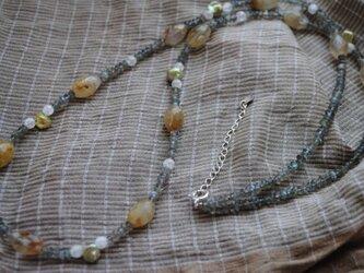 ルチルクォーツのネックレスの画像
