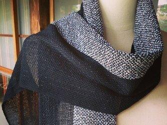 手織り・モノトーンストールの画像