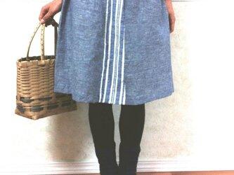 天然素材のギャザースカート(ブルーストライプ)の画像
