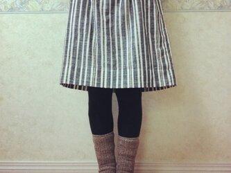 天然素材のギャザースカート(ストライプ・黒)の画像