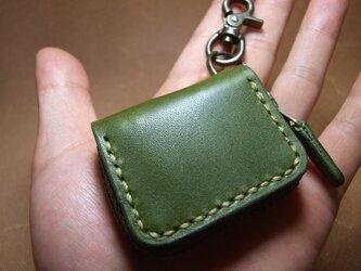 ミニファスナーコインケース 緑にベージュステッチの画像
