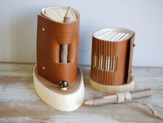 革装手製本の「年輪ノート」右・A8の画像