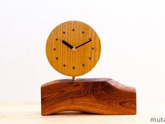 キハダとエンジュの置時計の画像