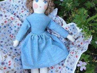 人形 女の子 ライトブルーの画像