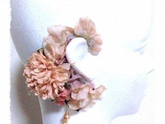 紫陽花とマムのイヤーフックE (ピーチ)右耳用の画像