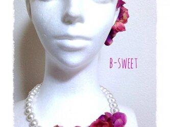 紫陽花とローズのネックレス(ピンク)の画像