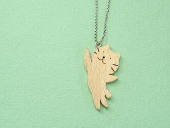 ジャンプネコ / 猫 木のキーホルダーの画像