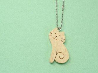 おすわりネコ / 猫 木のキーホルダーの画像