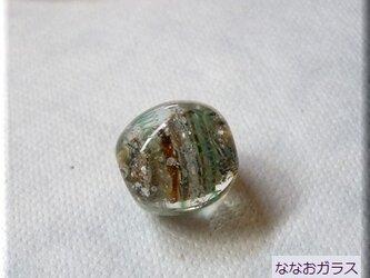 地層色のとんぼ玉の画像