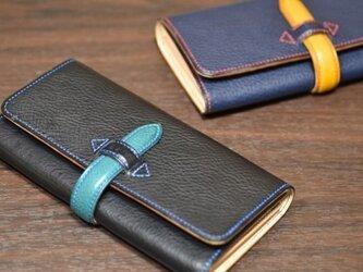 【お好きな色で製作】イタリアンレザー 手縫いのベルト留め長財布の画像