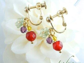 カーネリアンとお花のイヤリング♪の画像