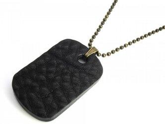 胸元ワイルドな革ドッグタグ・ネックレス ブラックレザーの画像