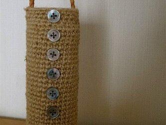 編みぐるみビン「kurumu」麻ひも+ボタン+組革紐ハンドルbの画像