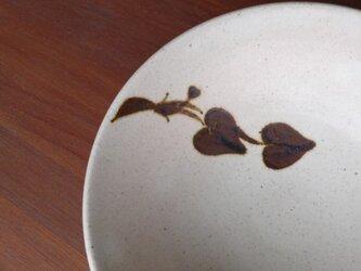 ふたば葵 鉄絵5.5寸平鉢 の画像