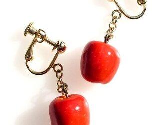 りんごのころころイヤリング【受注生産】の画像