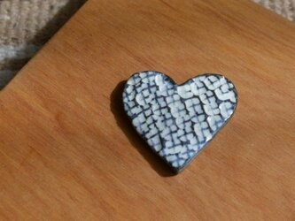 陶器のブローチ  HEARTの画像