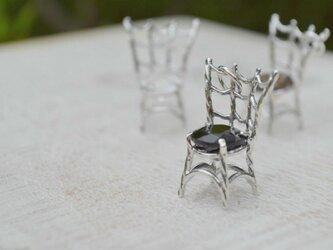 魔女の椅子(オニキス)の画像