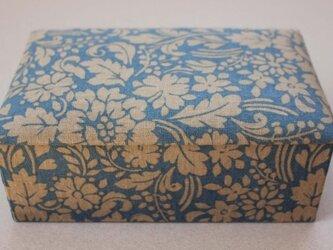 【ご予約済み】花柄の裁縫箱の画像