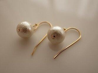 cotton pearl earringsの画像