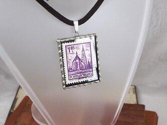 外国切手のペンダント[教会]の画像