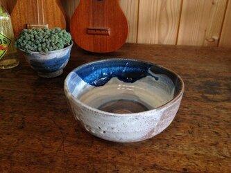 ゆるい三角のリング模様のどら鉢 の画像