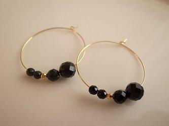 onyx hoop earringsの画像